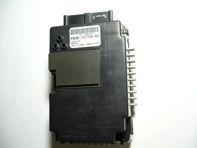 Lincoln Town 2001-2011 Light Control Module with 4 Years